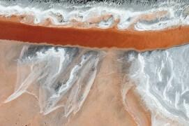 La Camargue vue du ciel. Ou l'art du sel. / © Thierry Vezon