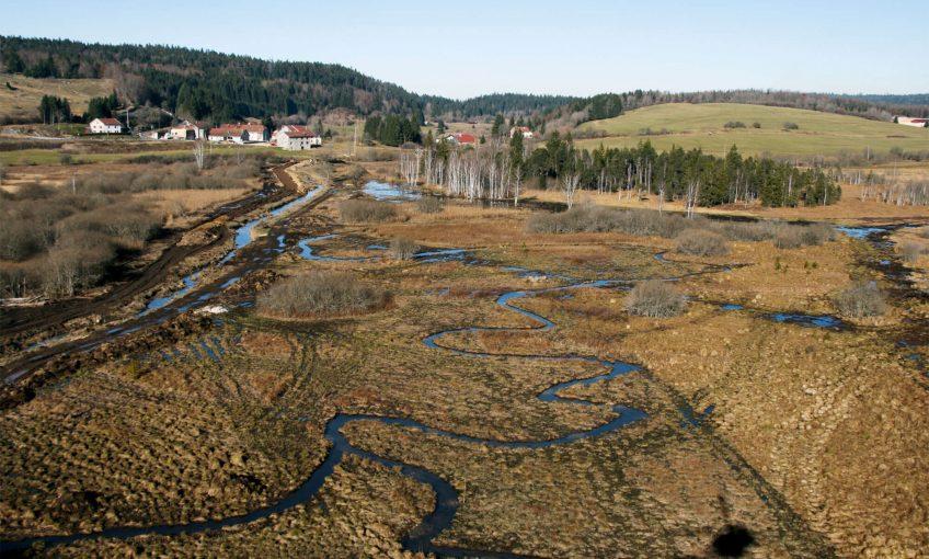Dans le Haut-Jura, coule une rivière comme on Lemme