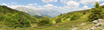 Vue sur les hauteurs de Vivario, en montant vers le col de Bocca Palmente.