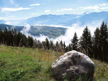 Le bisse d'Ayent parcourt des paysages grandioses.