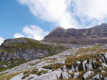 Vue grandiose sur la réserve naturelle de Sixt en Haute-Savoie.