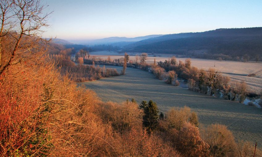 Balade au bord de la Loue - La Salamandre La moyenne vallée de la Loue paysage