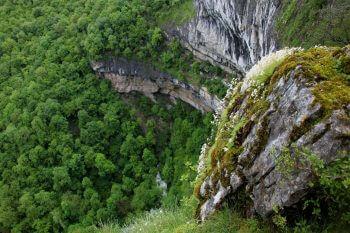 Balade au bord de la Loue - La Salamandre Reculée des Planches-près-Arbois gouffre