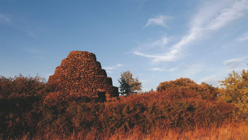 A l'abri des cabanes de pierres - La Salamandre