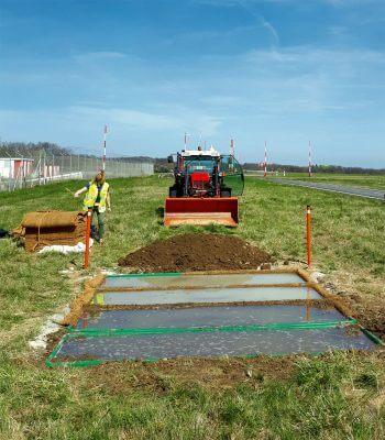 Des gouilles pour sauver le crapaud calamite - La Salamandre travaux chantier geneve aeroport