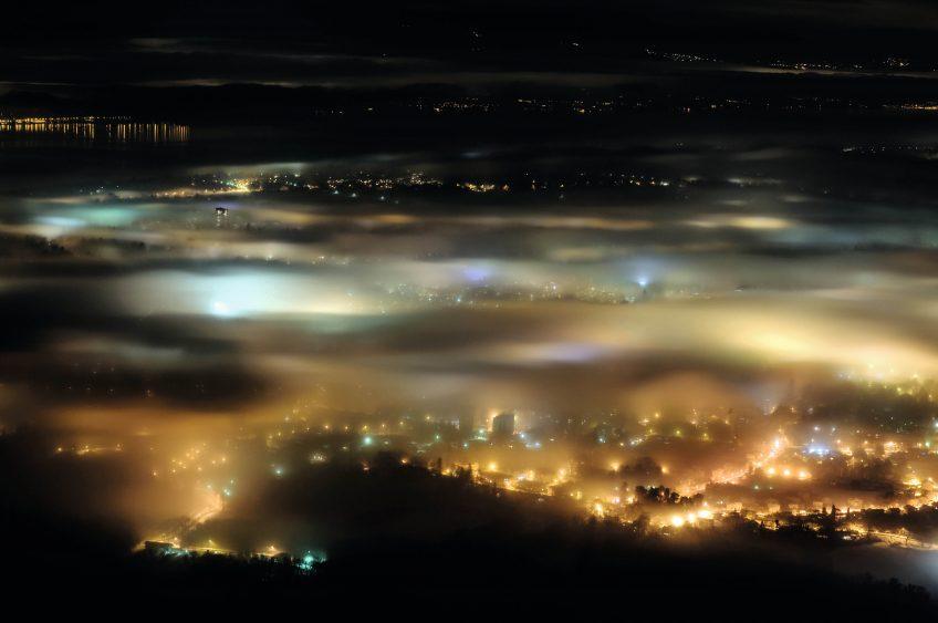 Pollution lumineuse : Rendons à la nuit son obscurité - La Salamandre