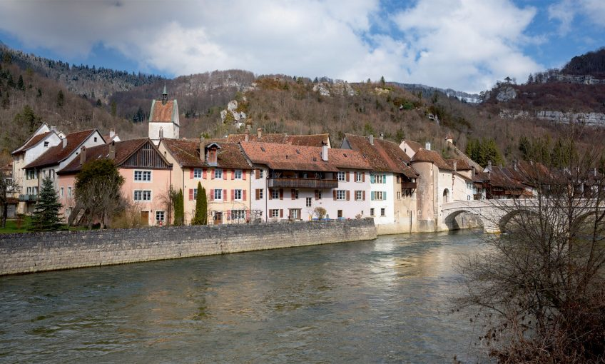 Les derniers aprons de la vallée du Doubs à la frontière franco-suisse