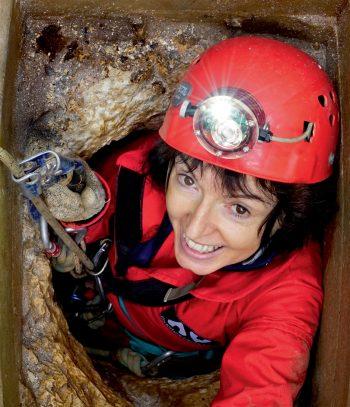 Les perles des cavernes vus par les spéléologues photographes Philippe Crochet et Annie Guiraud